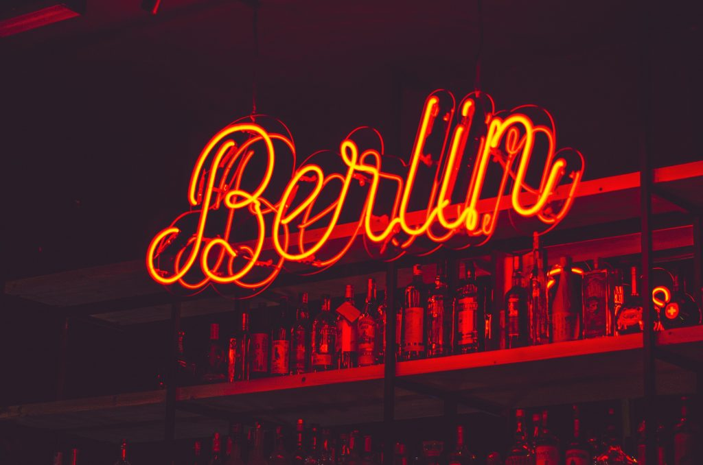 berlin bar dance